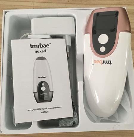 Bộ sản phẩm bao gồm: 1 máy triệt lông Tmrbae NAKED IPL màu trắng, 1 mắt kính đen, 1 dao cạo và tờ hướng dẫn sử dụng.