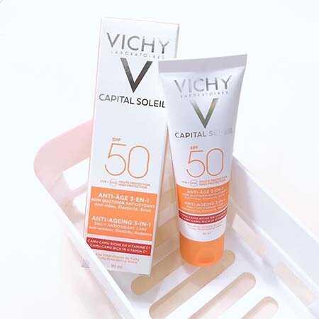 Kem chống nắng cho da dầu Vichy Capital Soleil SPF 50 Anti-Age 3-in-1