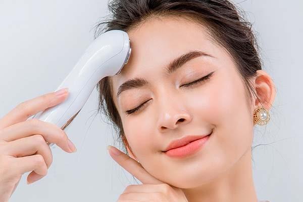 Các công dụng của máy massage mặt